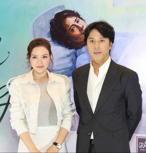 Lý Nhã Kỳ và diễn viên Han Jae Suk.
